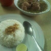 Photo taken at Kedai Makan Pakde by Johnly R. on 5/25/2012