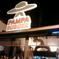 Foto tirada no(a) Pampa Burger por Fernando P. em 3/25/2012