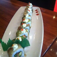Photo taken at Sushi Itto by Isela I. on 5/24/2012