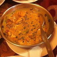 Photo taken at Guru Kebab y Curry by Jose P. on 5/5/2012