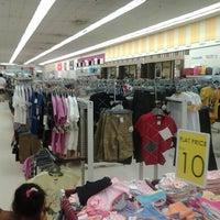 Foto diambil di AEON Permas Jaya Shopping Centre oleh Kimiy K. pada 9/8/2012
