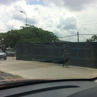 Photo taken at Traffic Light Jalan Salleh by Fitrie on 4/28/2012