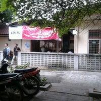 Photo taken at Kantin PSI USU by Dika H. on 4/17/2012