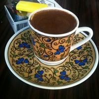 7/12/2012 tarihinde Can'an H.ziyaretçi tarafından Cihangir Kahvehanesi'de çekilen fotoğraf