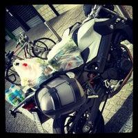 Foto scattata a UNES Supermercato da dikkone il 6/20/2012