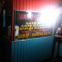 Photo taken at Warung Sate Mawar by Dony K. on 3/2/2012