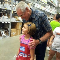 Photo taken at Lowe's Home Improvement by Tiffany T. on 8/25/2012