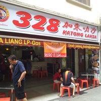 Photo taken at 328 Katong Laksa by Lee K S 李. on 7/28/2012