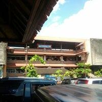 Photo taken at Pasar Kumbasari (Kumbasari Market) by Gusti P. on 5/18/2012