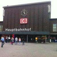 Das Foto wurde bei Duisburg Hauptbahnhof von Peter am 7/2/2012 aufgenommen