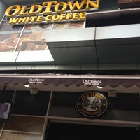 Photo taken at OldTown White Coffee by Amir on 9/1/2012