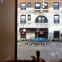 3/10/2012 tarihinde Eric Z.ziyaretçi tarafından Metropolis Coffee Company'de çekilen fotoğraf
