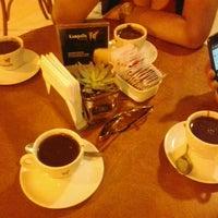 Foto tirada no(a) Kampalla Café por Juliana S. em 7/22/2012