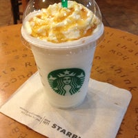 Photo taken at Starbucks by Jue L. on 2/28/2012