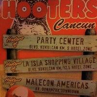 Foto tomada en Hooters por Gusto Del B. el 8/13/2012