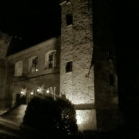 Photo taken at Castelo Chateau Lacave by Gelson M. on 5/31/2012