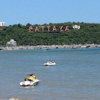 Photo taken at Pattaya Beach by เอเอ บ. on 7/16/2012