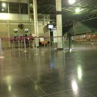Foto diambil di A.N.R. Robinson International Airport (TAB) oleh Sio pada 6/11/2012