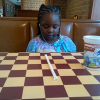 Photo taken at Pizza Hut by Keenon M. on 8/12/2012
