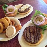Снимок сделан в Tioli's Crazee Burger пользователем Roger M. 2/23/2012