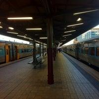 Photo taken at Central Station (Platforms 4 & 5) by Rizky Prambudi Tanrian on 4/28/2012