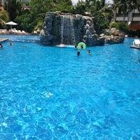 Foto tomada en Sheraton Buganvilias Resort & Convention Center por Oscar paul R. el 6/17/2012