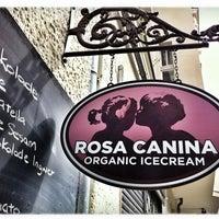 Das Foto wurde bei Rosa Canina von Sven G. am 9/2/2012 aufgenommen