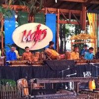 Photo prise au Saung Angklung Mang Udjo par Albi A. le2/19/2012