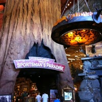 Photo taken at Bass Pro Shops Outdoor World by Laurie W. on 7/31/2012