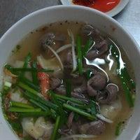 Photo taken at hu tiu 217 Nguyen Van Nghi by Phú N. on 5/20/2012