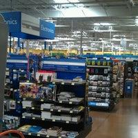 4/29/2012にTheodis M.がWalmart Supercenterで撮った写真