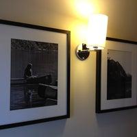 Foto tirada no(a) Porto da Ilha Hotel por Antonio Bruce G. em 8/30/2012