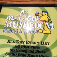 Photo taken at Mellow Mushroom by Tracy S. on 5/18/2012