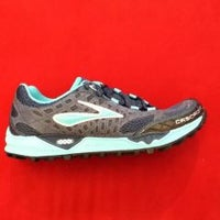 Photo taken at Wagner's RunWalk - Running Shoes and Apparel by Ed F. on 2/9/2012