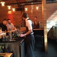 Photo prise au Drink par Michelle H. le8/12/2012
