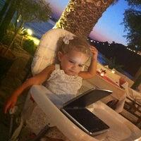 7/29/2012 tarihinde Seçil M.ziyaretçi tarafından Triena'de çekilen fotoğraf