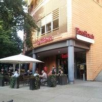 Das Foto wurde bei Tony Roma's von Hong C. am 7/9/2012 aufgenommen