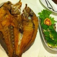 Photo taken at บ้านสวยSOแซ่บ by SAMURAI THAI MARCH CLUB on 8/31/2012