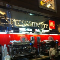 Photo taken at Espressamente Illy by SuperDee75 on 4/6/2012