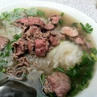 Photo taken at Phở Bò Nam Định by Johnlemon N. on 6/6/2012