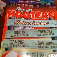 Photo taken at Hooters of Fremont by Rey D. on 8/16/2012