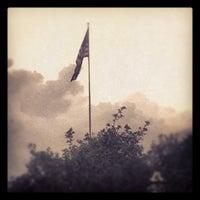 Das Foto wurde bei Military Walk von Jessica F. am 4/20/2012 aufgenommen