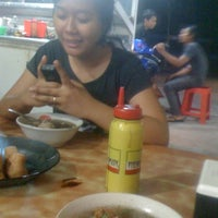 Photo taken at Bakso Anda by Sary S. on 4/23/2012