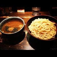 Photo taken at 三田製麺所 恵比寿南店 by yusuke h. on 8/24/2012
