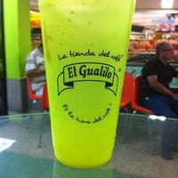 Foto tomada en Tienda Gualilo por Miguel Angel el 9/5/2012