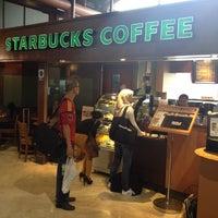 Photo taken at Starbucks by Iswarayuda Bayu A. on 7/14/2012