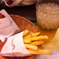 Photo taken at MOS Burger by 田脇 正. on 7/22/2012