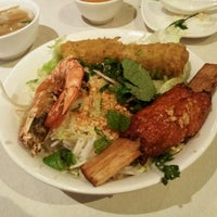 Photo taken at Xe Lua Vietnamese Cuisine 火車頭 by Marie R. on 2/12/2012