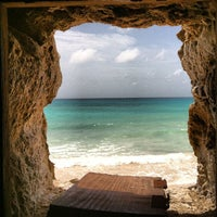Foto scattata a Surfers Cafe da Ryan S. il 3/11/2012