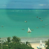 Foto tirada no(a) Praia da Pajuçara por Gleicy P. em 8/29/2012